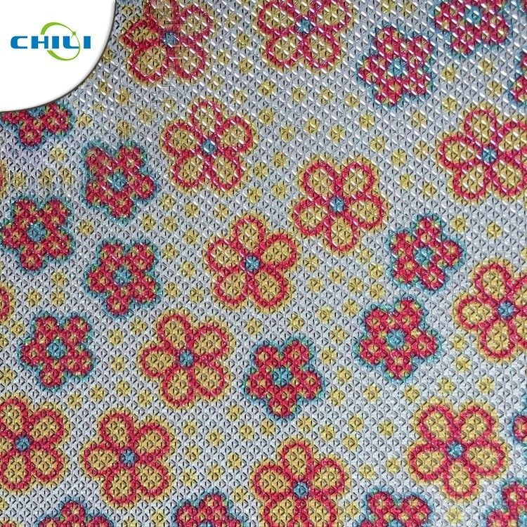 Shinnning Synthetic Leather Fabric Floral 0.7±0.1mm Thickness Precision Cutting