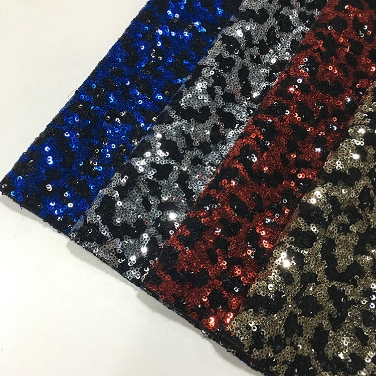 Breathable Glitter Sequin Fabric Fashionable Stretch Type 150gsm Shiny Color